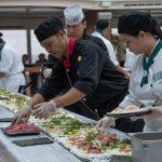 לכבוד יום הסושי הבינלאומי, קוניגסדם חגגה עם רול הסושי הגדול בים