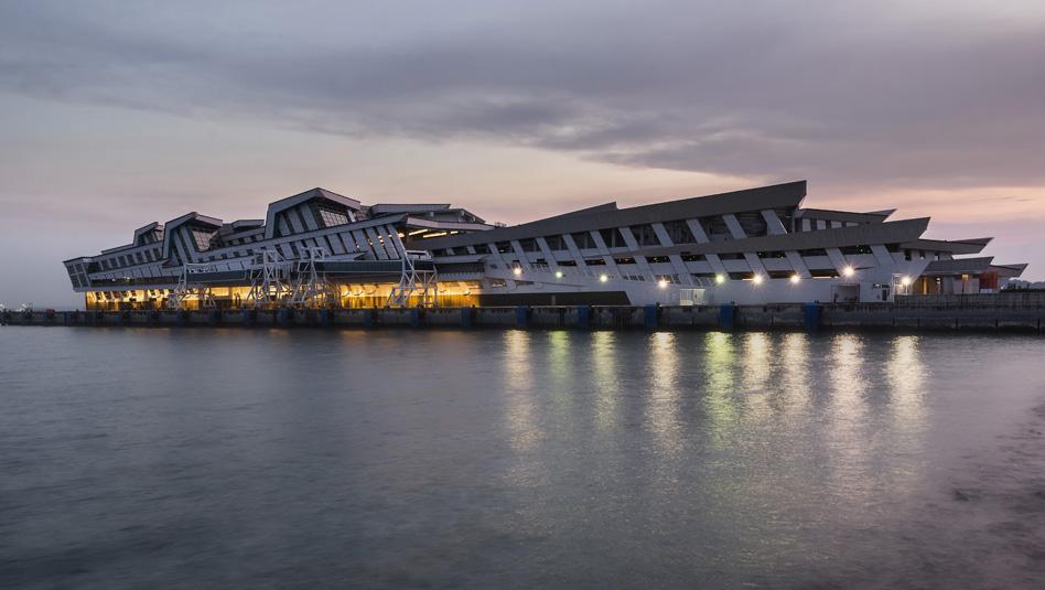 סינגפור- טרמינל הקרוזים החדש Marina Bay Cruise Centre . צילום Depositphotos