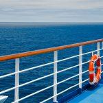 באיזו תדירות ומדוע נוסעים נופלים מאניות קרוזים לים