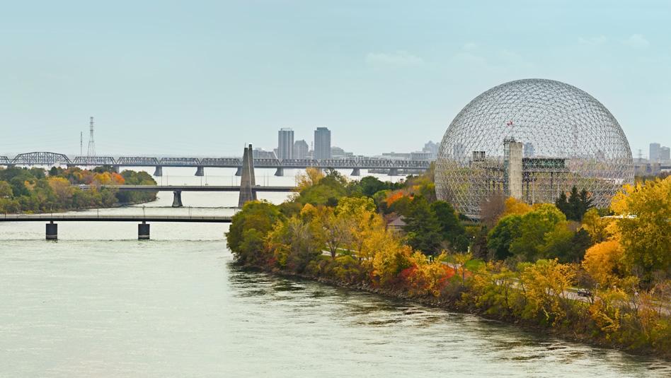 קוויבק: גשר מונטריאול מעל נהר סנט לורנס . צילום Depositphotos