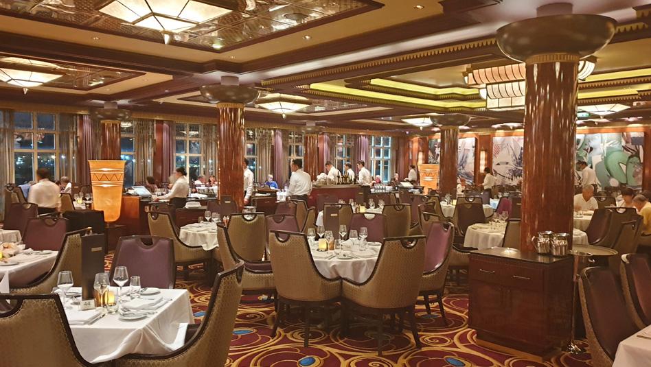 Grand Pacific- אחת משתי המסעדות המרכזיות. צילום עוזי בכר