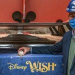 טקס הטמעת המטבע ב- Disney Wish של דיסני קרוז ליין