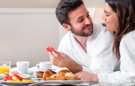 שירות חדרים : למה לצפות בחופשת השיט הבאה שלכם