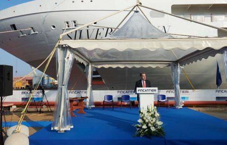 הספינה Silver Dawn נגעה במים בפעם הראשונה